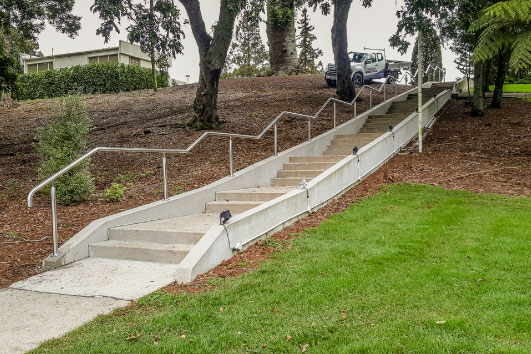 Mainline handrail adds to festivities at Mormon Temple